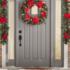 Idei pentru decorarea uşii de Crăciun